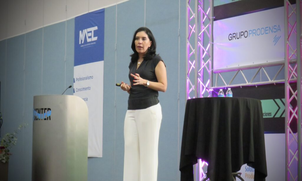 Ana María Godínez HR Influencer